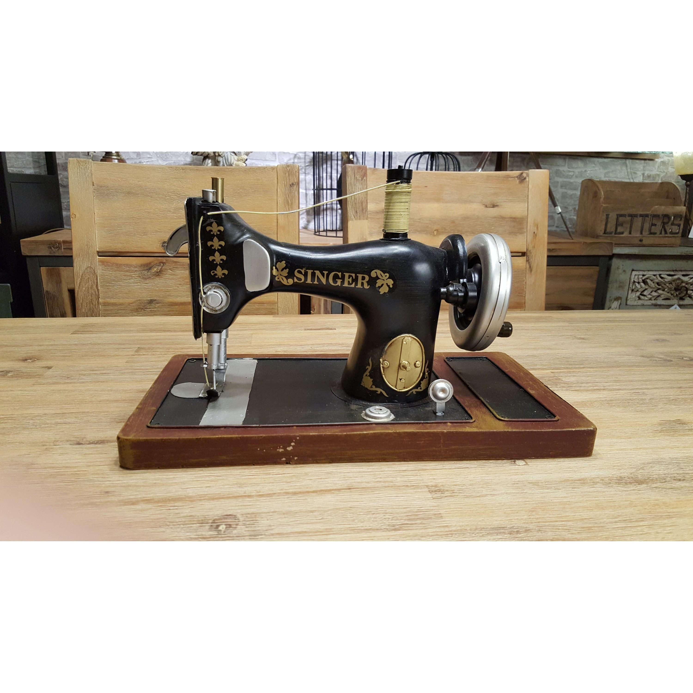 老式縫紉機擺飾